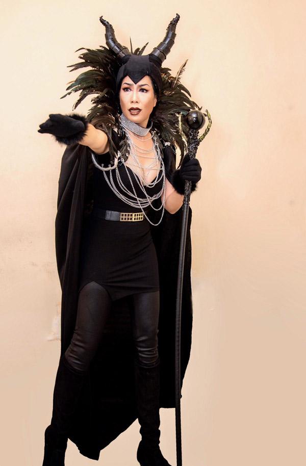 Chị cho biết không chỉ kịch bản mà trang phục của tất cả diễn viên tham gia vở diễn đều được chuẩn bị kỹ lưỡng.