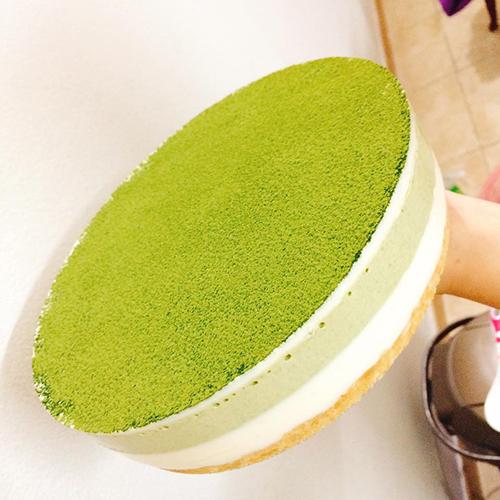 Bánhmousse sữa chua trà xanh socola.