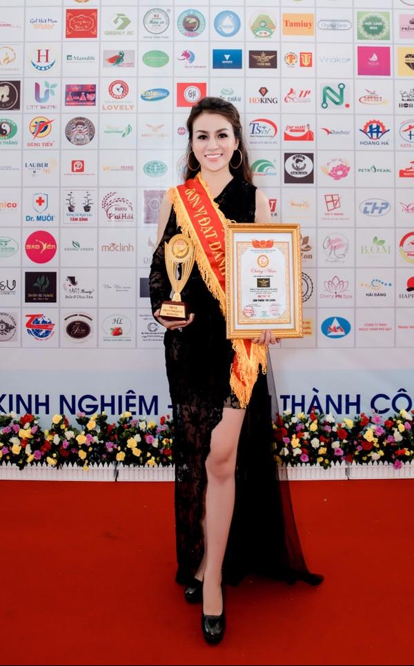 CEO Trương Nhân dự họp báo Miss World Bussiness 2018 - 4