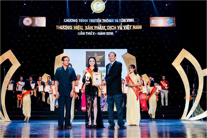 CEO Trương Nhân dự họp báo Miss World Bussiness 2018 - 3