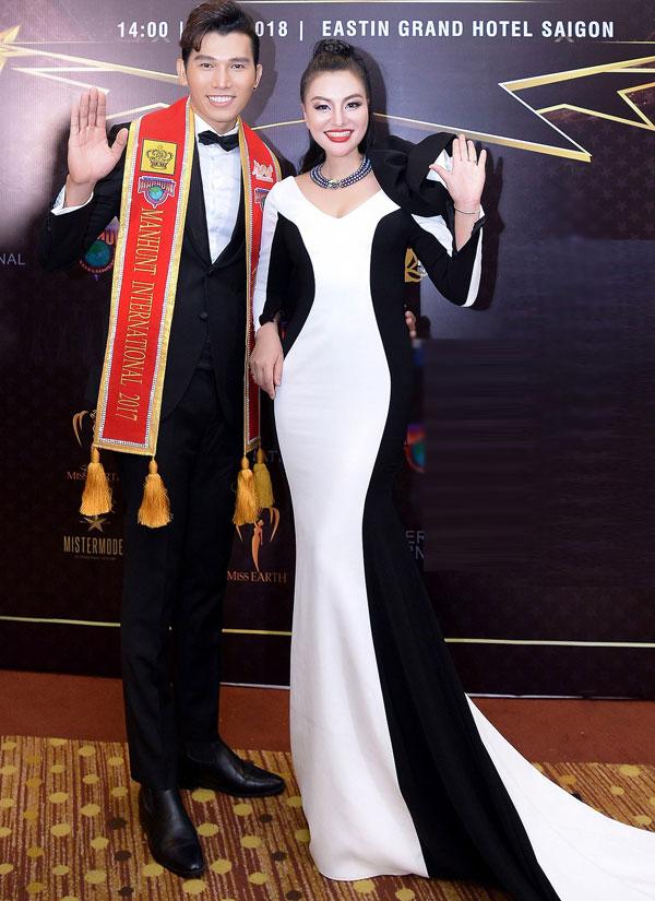 Nữ hoàng Trần Huyền Nhung đọ sắc cùng dàn sao Việt tại sự kiện - 7