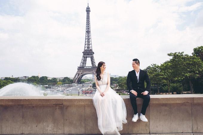 Sau khi đăng quang Hoa hậu Áo dài 2018, Thùy Linh và chồngđãtham gia một số hoạt động như xemshow thời trang của NTK Hoàng Hải, dự tiệc của ông bầu Vũ Khắc Tiệp tại thành phố Cannes. Cả hai cũng dành thêm ít ngày nghỉ ngơi, đi khám phá một số địa danh du lịch nổi tiếng của Paris để hâm nóng tình cảm.