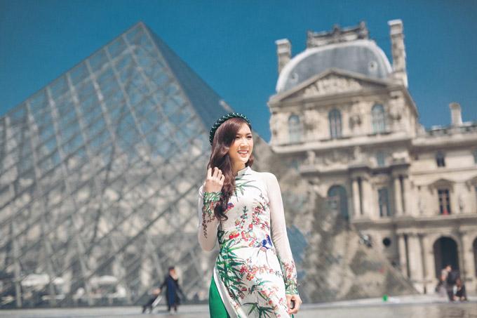 Phí Thùy Linh và chồng doanh nhân hâm nóng tình yêu ở Pháp - 10