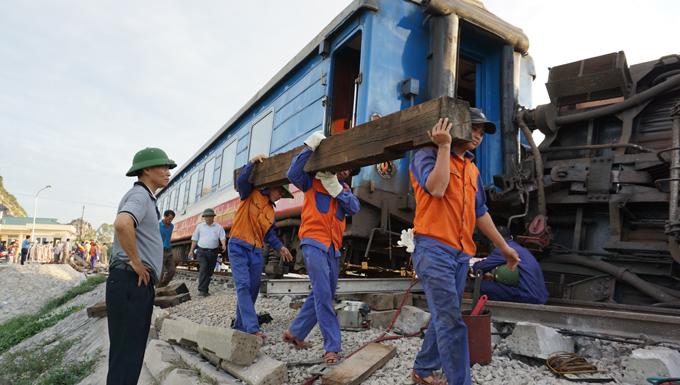 Hệ thống đường ray bị hư hỏng nặng.