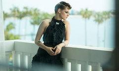 Loạt váy áo giúp Kristen Stewart gây ấn tượng tại Cannes