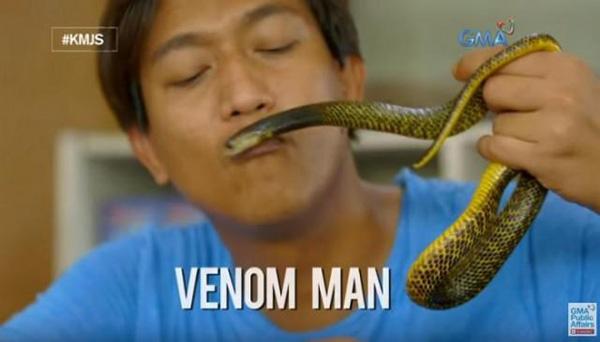 Joe Quililan được đặt biệt danh người đàn ông nọc độc bởi khả năng miễn nhiễm kỳ lạ với nọc của rắn hổ mang. Ảnh: