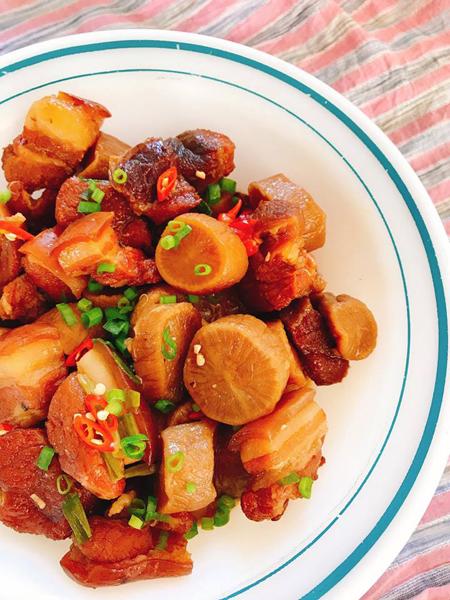 Thịt kho củ cải muối - 1