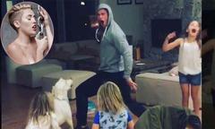 Chris Hemsworth lăn lộn nhảy theo bài 'Wrecking Ball' của Miley Cyrus
