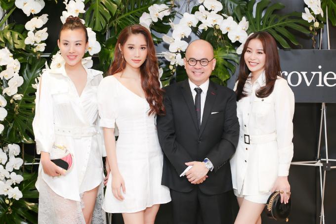 Hoa hậu Hải Dương và các người đẹp trò chuyện, gửi lời chúc mừng đến doanh nhân Dương Quốc Nam.
