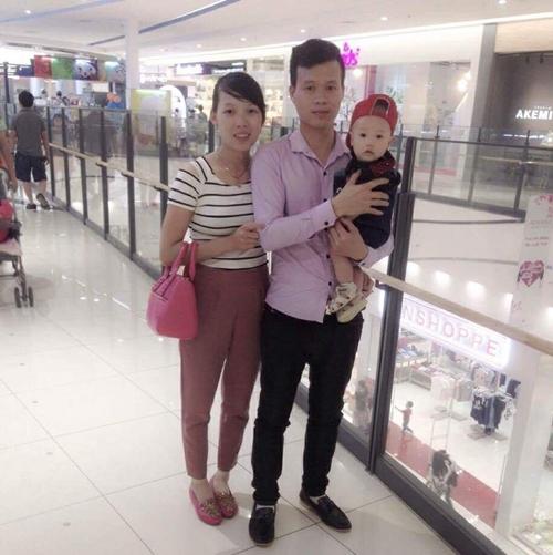 Bức ảnh Nhật chụp cùng bố mẹ lúc 5 tháng tuổi.