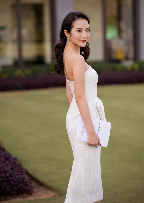 Primmy Trương được xem là người đẹp tài sắc vẹn toàn. Cô tốt nghiệp Đại học RMIT Việt Nam. Ngoài công việc chính, Primmy còn làm người mẫu ảnh kiêm beauty blogger. Cô sở hữu kênh Youtube thu hút hơn 30.000 fan. Facebook của cô cũng có hơn 70.000 người theo dõi. Bạn gái của Phan Thành từng đóng MV Thương em hơn chính anh của ca sĩ Jun Phạm.