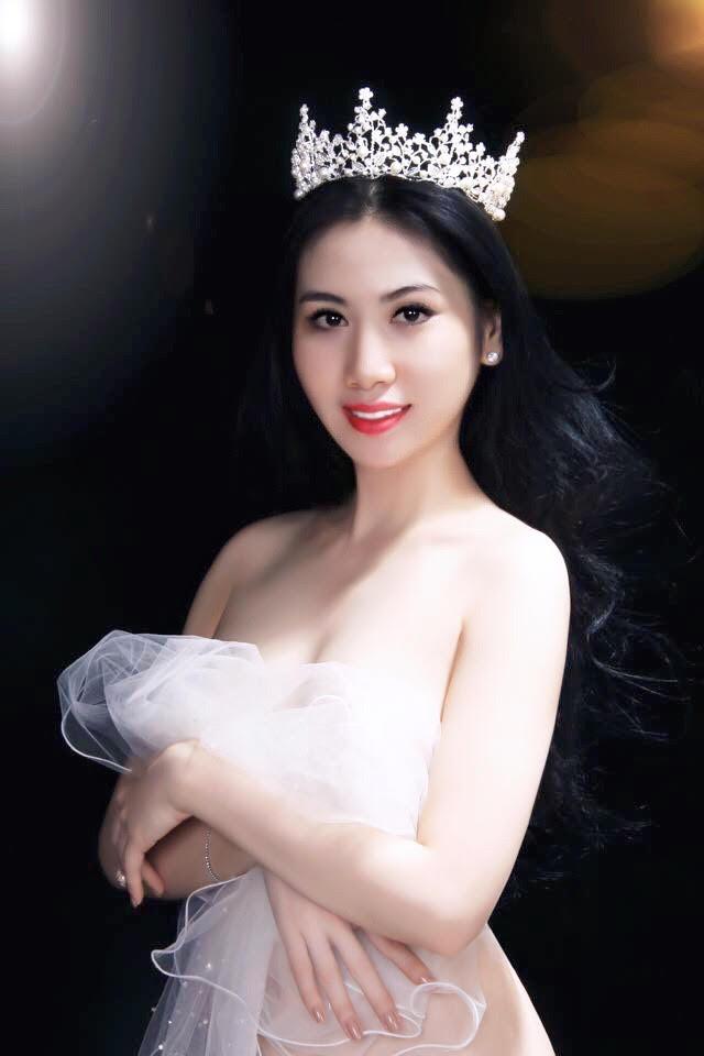 Hoa hậu Xuân Mỹ tung bộ ảnh nóng bỏng - 1