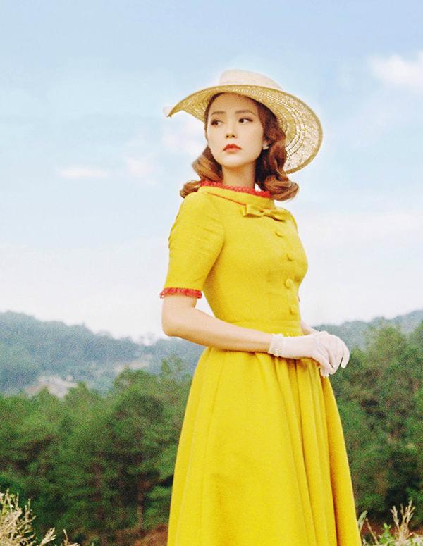 Hình tượng của Minh Hằng trong MV là một quý cô mang hơi hướng vintage.