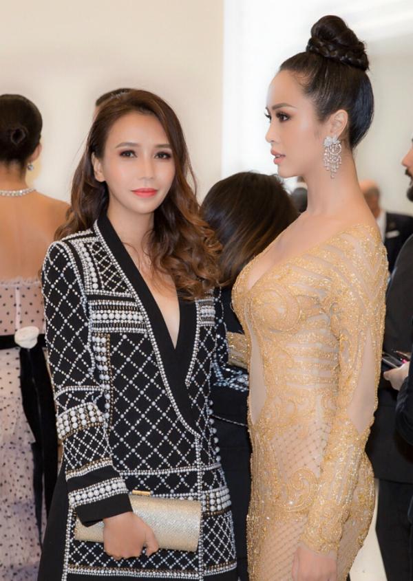 Vũ Ngọc Anh và Quyên Trần có mối quan hệ khá thân thiết. Trung tâm làm đẹp của nữ doanh nhân nổi tiếng là địa chỉ quen thuộc của nữ diễn viên.