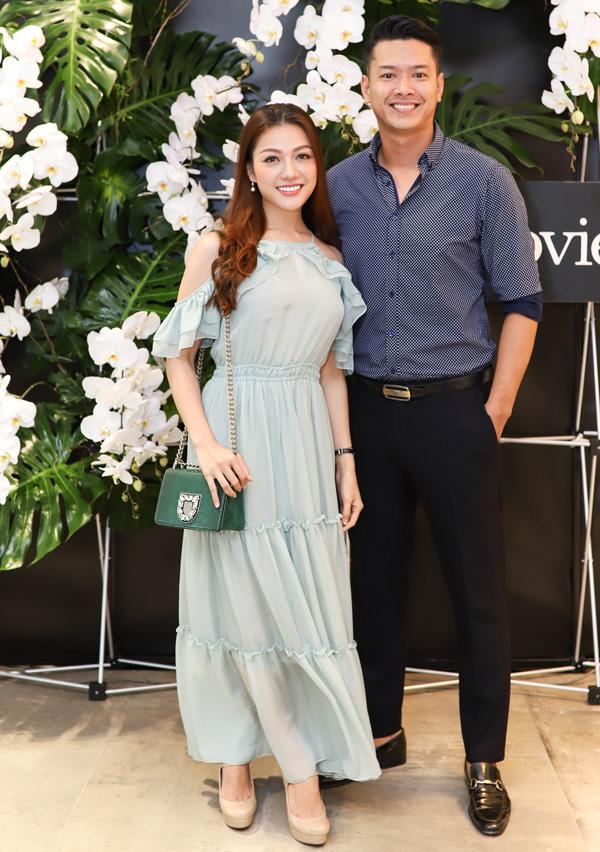 Anh giải thích Nhiên Phương chỉ là học trò của mình, không phải bạn gái. Ngoài biểu diễn thời trang, Đức Vình còn đào tạo kỹ năngcatwalk và tạo dáng trước ống kính cho các người mẫu trẻ.