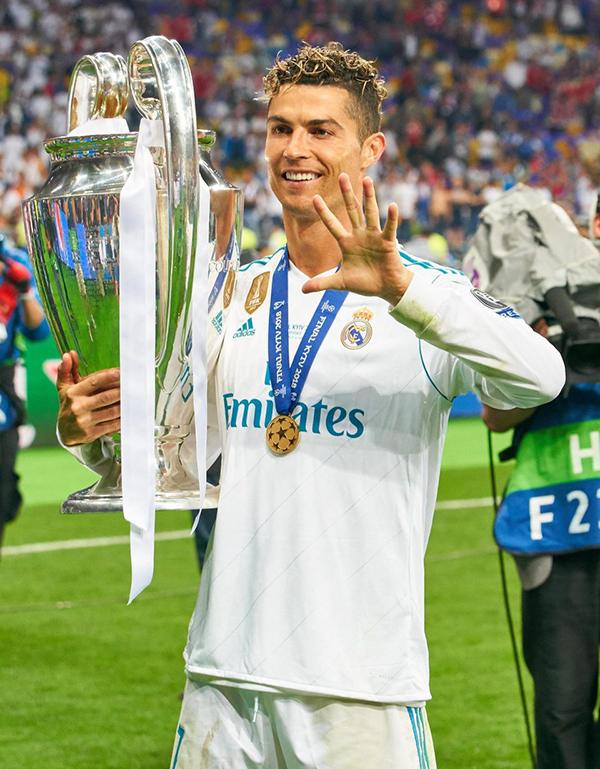 Kiểu tóc của C. Ronaldo tại trận chung kết. Với cá nhân CR7, đây là lần thứ 5 anh giành Champions League, trong đó bốn lần cùng Real và một lần cùng MU.