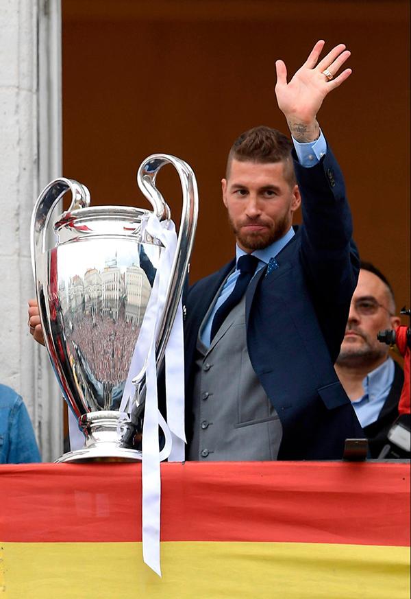 Trong trận chung kết với Liverpool, Ramos là ngườikhiến Salah -ngôi sao sáng nhất của đối thủ phải rời sân vì chấn thương trật khớp vai. Nhiều người chỉ trích Ramos là đồ tể, chơi bẩn nhưng trong mắt các fan Real, anh là một người hùng.