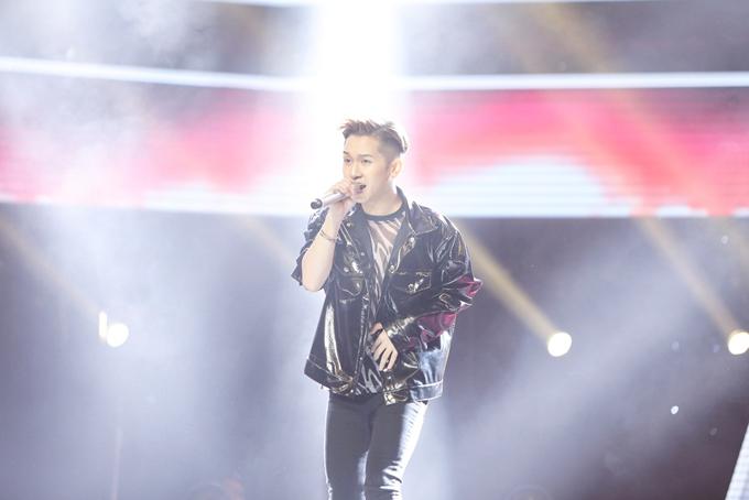 Đỗ Hoàng Dương từng tham dự The Voice Kids 2013 và là thành viên của đội Hồ Hoài Anh - Lưu Hương Giang.