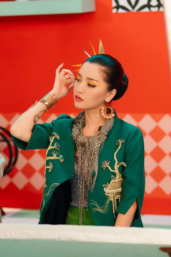 Phong cách chất lừ của sao Việt trong các MV mới - 6