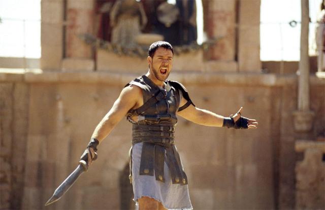 Tài tử thời đóng Võ sĩ giác đấu năm 2000. Vai diễn vị tướng Maximus dũng mãnh đã mang về cho Russell một giải Oscar Nam diễn viên chính xuất sắc.