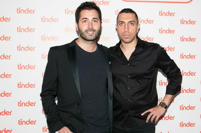 Justin Mateen (trái) và Sean Rad là bạn đại học trước khi đồng sáng lập Tinder. Ảnh: FilmMagic.