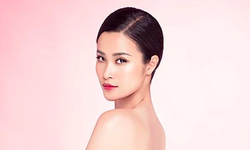 Đông Nhi đại diện Việt Nam diễn cùng loạt sao châu Á tại Nhật Bản