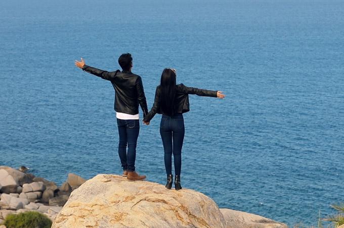 Bộ phim ngắn có rất nhiều cảnh quay về thiên nhiên biển đảotỉnh Khánh Hòa để quảng bá cho du lịch.