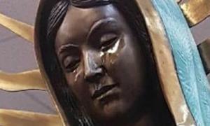 Tượng mẹ đồng trinh Maria ở Mỹ 'khóc'