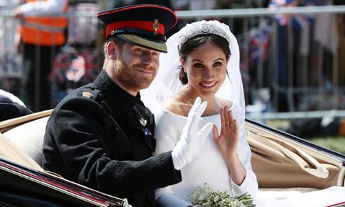Vợ chồng Hoàng tử Harry trả lại hơn 9 triệu USD quà cưới