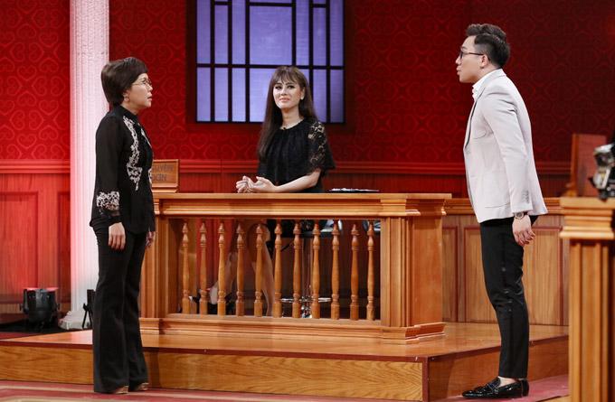 Để bảo vệ cho thân chủ, hai luật sư Việt Hương và Trấn Thành đã liên tục tìm cách dìm hàng đối phương.