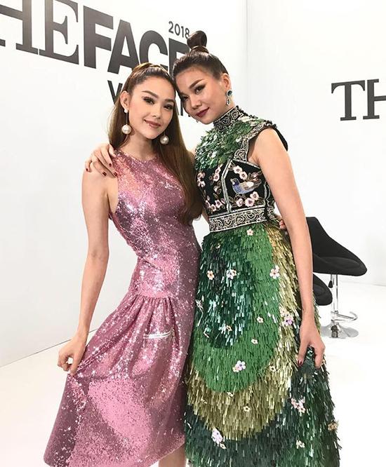 Trong buổi casting thứ hai, Minh Hằng nhanh chóng thay đổi phong cách để ghi điểm trước khán giả hâm mộ. Nữ ca sĩ trở về đúng với style công chúa, phù hợp với vóc dáng nhỏ nhắn và gương mặt xinh xắn của mình.