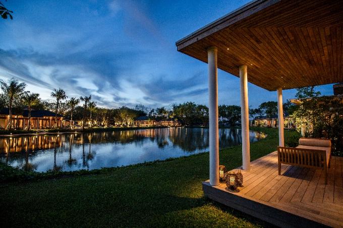 Du khách có thể hưởng trọn vẻ đẹp cảnh quan sông nước miền Tây.