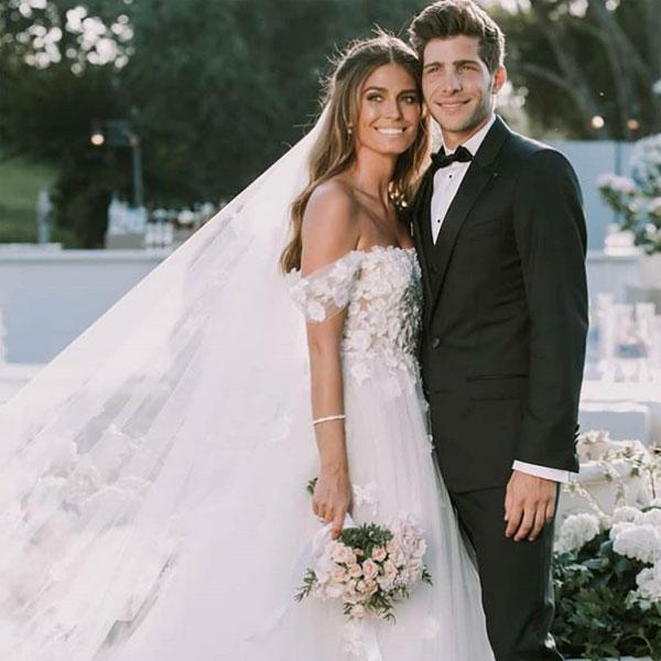 Vợ chồng Sergi Roberto. Ảnh: NS.