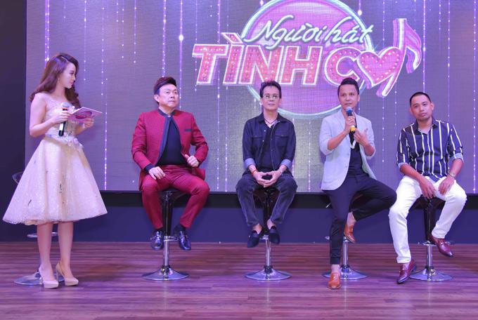 Êkíp thực hiện chương trình chia sẻ cảm xúc, kỷ niệmkhi làm việc cùng nhau. Giám đốc âm nhạc Vũ Quốc Việt (thứ hai từ phải qua) trêu đùa, tỏ ra nghi ngờ giới tính của nghệ sĩ Chí Tài.
