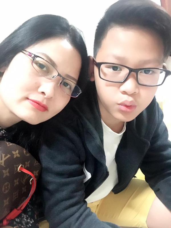 Diễn viên Thúy Hà và cậu con trai thứ hai.