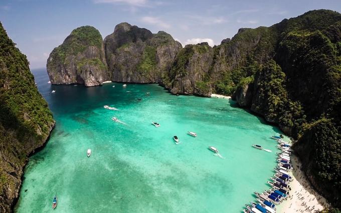 Vịnh Maya ở đảo Phi Phi, Thái Lan đóng cửa vì quá đông du khách