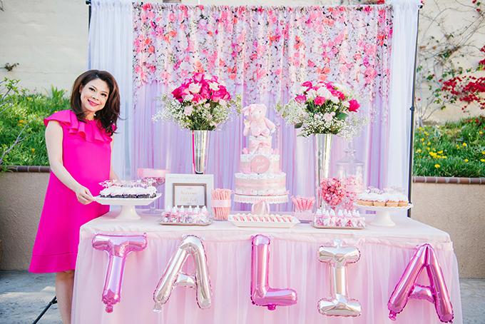 Ngày 1/6, Thanh Thảo mở tiệc baby shower - là buổi tiệc chào mừng con gái sắp chào đời. Đây là nét văn hoá quen thuộc tại Mỹ.