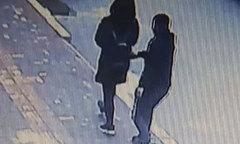 Tên trộm điện thoại bị bắt sau khi in danh bạ gửi lại cho chủ cũ