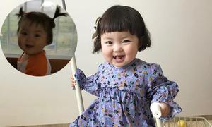 Điệu nhảy lắc lư của cô bé 10 tháng khi nghe mẹ hát