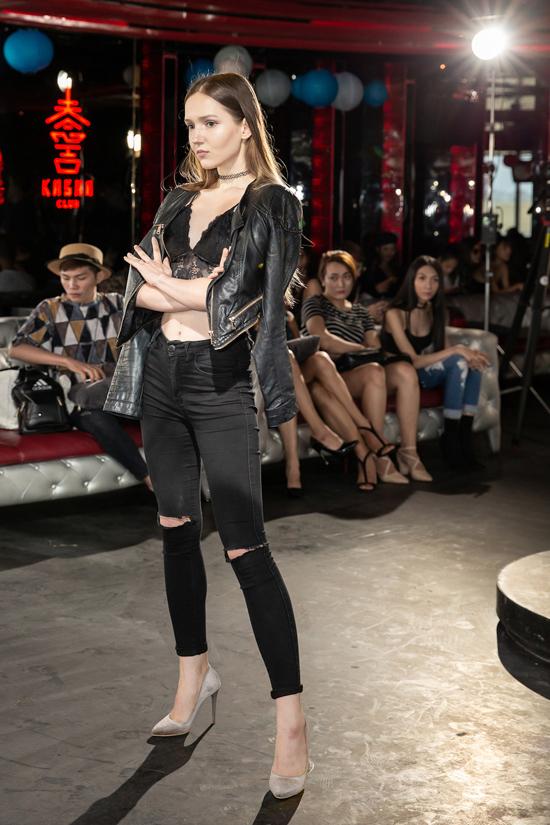 Buổi tuyển chọn người mẫu còn thu hút sự quan tâm của nhiều chân dài ngoại quốc và model phi giới tính.