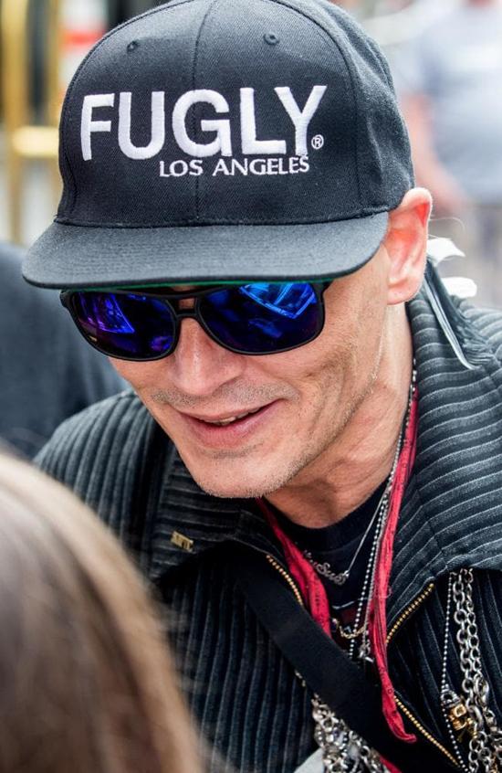 Nhiều người tin rằng có thể Johnny Depp đã phải giảm cân để đóng phim mới Richard Says Goodbye - tác phẩm điện ảnh kể về một giáo sư đại học bị chẩn đoán mắc bệnh giai đoạn cuối khiến ông chán đời và trở nên cục cằn, hút thuốc, dùng ma túy, quan hệ tình dục bừa bãi và lăng mạ bất cứ ai làm phiền ông.