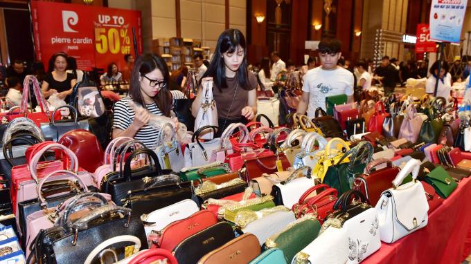 Sự kiện giảm giá hàng hiệu Vstyles Private sale trở lại Đà Nẵng - 4