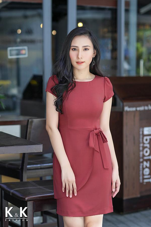 Đầm hồng thắt nơ eo xinh xắn HL01-33 giá 420.000 đồng.