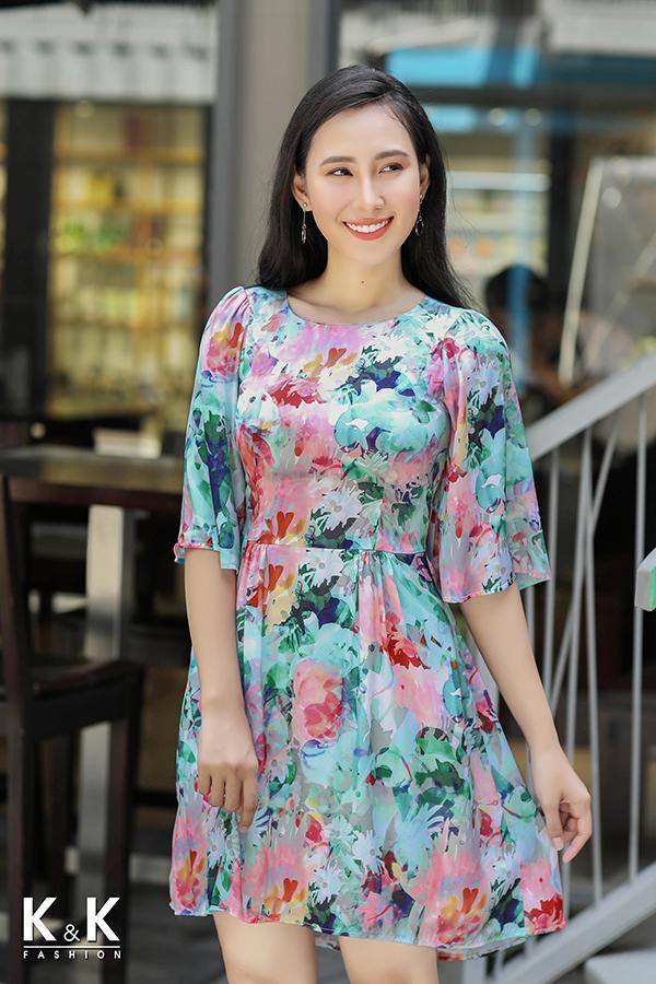 Đầm xòe họa tiết nổi bật KK73-34 giá 420.000 đồng.