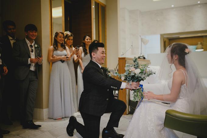 Bởi vì mẹ của Amanda qua đời cách đó chưa lâu nên cô muốn mộtlễ cưới cósắc màu trung tính và màu pastel gồm: trắng, xanh dương nhạt và xám.