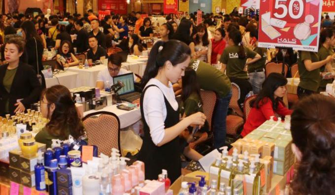 Sự kiện giảm giá hàng hiệu Vstyles Private sale trở lại Đà Nẵng - 2