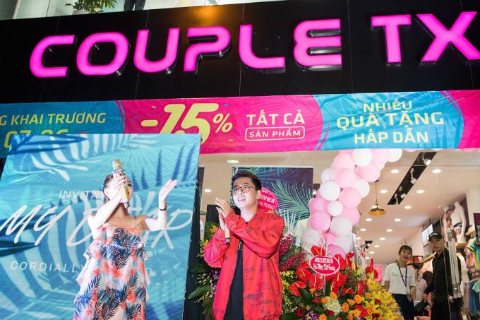 Nam ca sĩ OSADvừa xuất hiện tại sự kiện khai trương cửa hàng thứ 47 của thương hiệu thời trang Couple TX tại 93 Cầu Giấy, Hà Nội, thu hút sự chú ý củakhán giả với 2 ca khúc Người âm phủ và bản hit vừa ra mắt Yêu đương.
