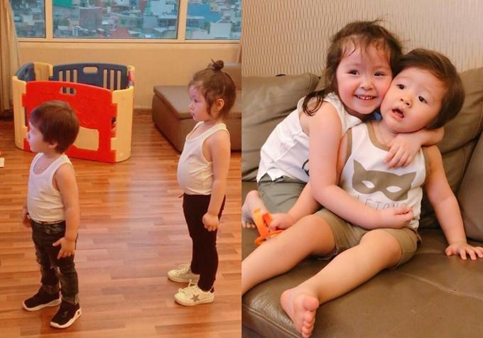 Trang phục mặc ở nhà của hai chị em cũng có nhiều sự tương đồng.