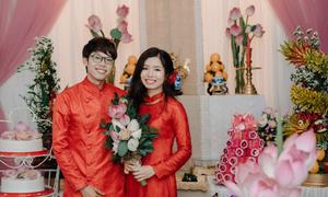 Lễ cưới tràn ngập hoa sen của quản lý Chi Pu