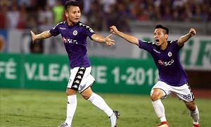 Tuyệt phẩm sút phạt của Quang Hải đẹp nhất vòng 11 V-League